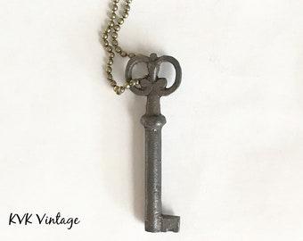 Vintage Skeleton Key Necklace (FLORA) - Old Key Necklaces - Gothic Key Necklace - Rustic Key Necklace