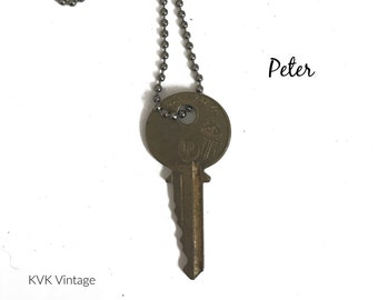 Vintage Key Necklace (PETER) - Antique Key Necklaces – House Key Necklace - Old Key Necklace