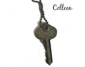 Vintage Key Necklace (COLLEEN) - Antique Key Necklaces – House Key Necklace - Old Key Necklace