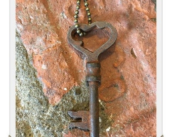 Antique Skeleton Key Necklace (HEART) - Key Necklaces