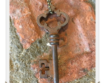 Antique Skeleton Key Necklace (CROWN) - Old Key Necklaces - Gothic Key Necklace
