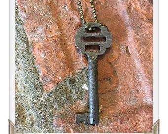 Antique Skeleton Key Necklace (OPHELIA) - Key Necklaces