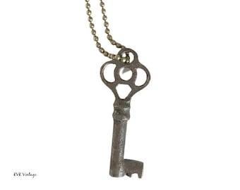 Vintage Skeleton Key Necklace (FANCY BOW) - Old Key Necklace - Gothic Key Necklace - Antique Key - Antique Skeleton Key
