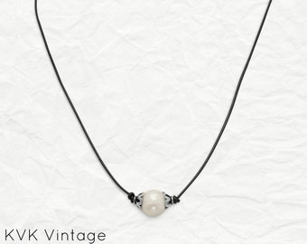 Cultured Freshwater Pearl and Leather Necklace - Bohemian Necklace - Pearl Necklace