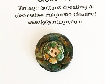 Green & Gold Flower Swirl Painted Button Brooch Pin - Magnetic Pin - Button Jewelry - Brooches