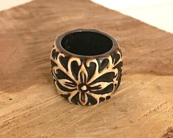 Vintage Brown Deep Carved Resin Plastic Flower Ring  - Resin Ring - Vintage Ring - Flower Ring - Brown Flower Ring - Rings - Plastic Ring