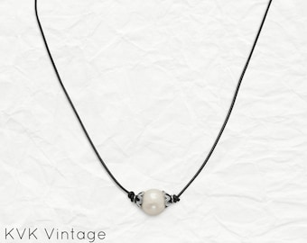 Cultured Freshwater Pearl and Leather Necklace - Boho Necklace - Pearl Necklace - Leather Jewelry - Bohemian Jewelry