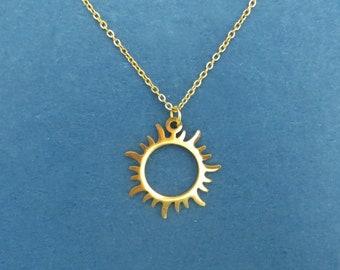 Beautiful Shiny Sun Necklace,Sun Necklace,Sun Pendant,Sun Jewelry,Celestial Necklace,Sunshine Necklace,Celestial Jewelry,Sunburst Necklace