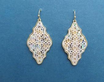 Filagree Abalone Shell Earrings,Filagree Earrings,Boho Earrings,Statement Earrings,Dangle,Vintage Style Earrings,Multi Color Jewlery,Gift