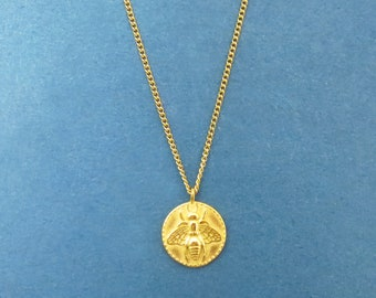 Bee Coin Necklace Gold Bee Necklace, queen bee necklace, Gold disc necklace, Dainty Necklace Gold Necklace Coin Necklace necklace, Bee Gift