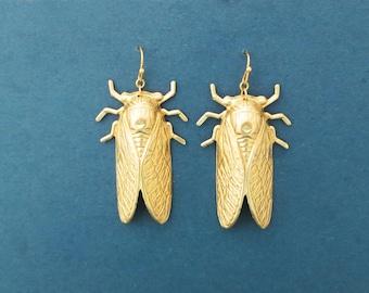 Gold cicada earrings, Gift earrings, Cute earrings, Gift for mom, Gift for friendship, Gift for wife, Gift for women