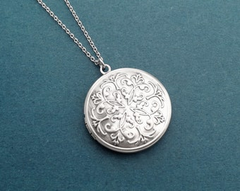 Round Locket necklace Flower Photo Silver necklace Family gift Boyfriend gift Girlfriend gift Husband gift Wife gift