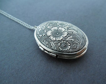 Vintage style necklace Flower locket necklace Photo necklace Family gift Men's gift Women's gift Best friend gift