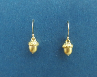 Acorn earrings, 14K gold filled/ Sterling silver ear hook earrings, Fall jewelry, Autumn gift, Christmas gift, New year gift, Mom gift