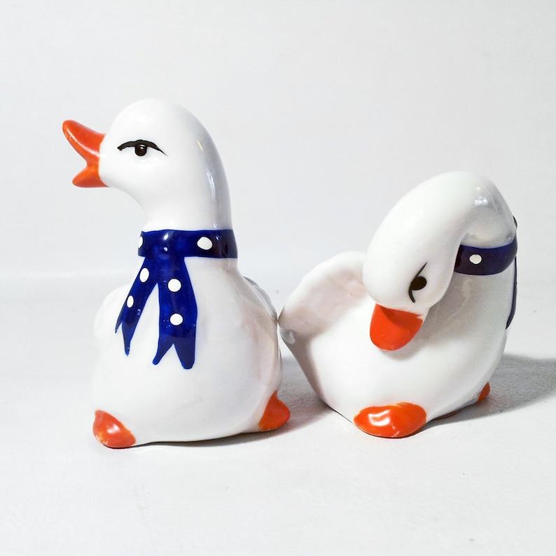 Vintage Duck Salt /& Pepper Shakers Retro Cruet Set Collectible Kitchenalia Pottery Tableware Dispensers Novelty Ceramic Duckling Figurines