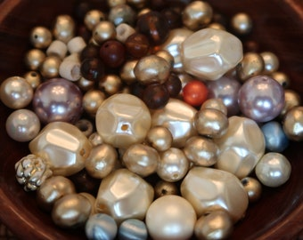 Ecru Pearls with crystals 0330nk