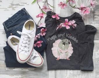 T-Shirt Classic Long Sleeve Pugs and Kisses Women's LOGO Pug T-shirt