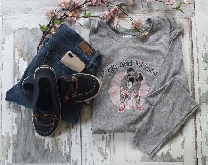 NEW T-Shirt LIGHT GRAY Classic Long Sleeve Pugs and Kisses Women's Logo Pug T-shirt