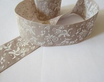 Ribbon spring band - taupe / white