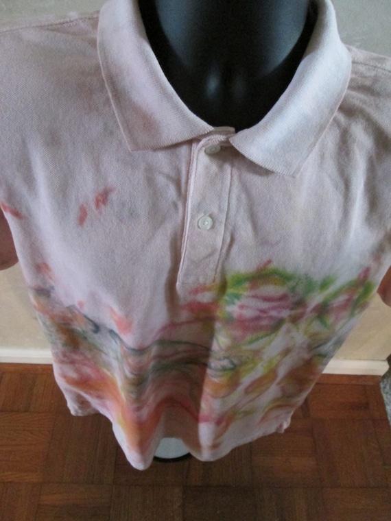 Moyenne multicolores hommes. Chemise de coton à manches courtes de polo. Hippie, conception de Bohème. Sur mesure teinté tye dye. Tie dye textile art, Tops et t-shirts.