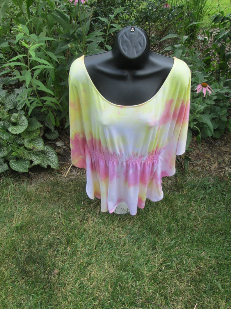 butterfly sleeves Polyester yellow machine wash spandex at waist coral rayon pink Ladies or teens new Extra Large shirt dry.