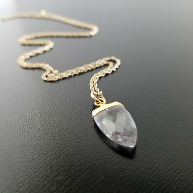 Spiritual Gift Raw Crystal Quartz Spear Pendent Gold Filled Layering Necklace Positive Energy Healing Crystal Charm Boho Gold Necklace
