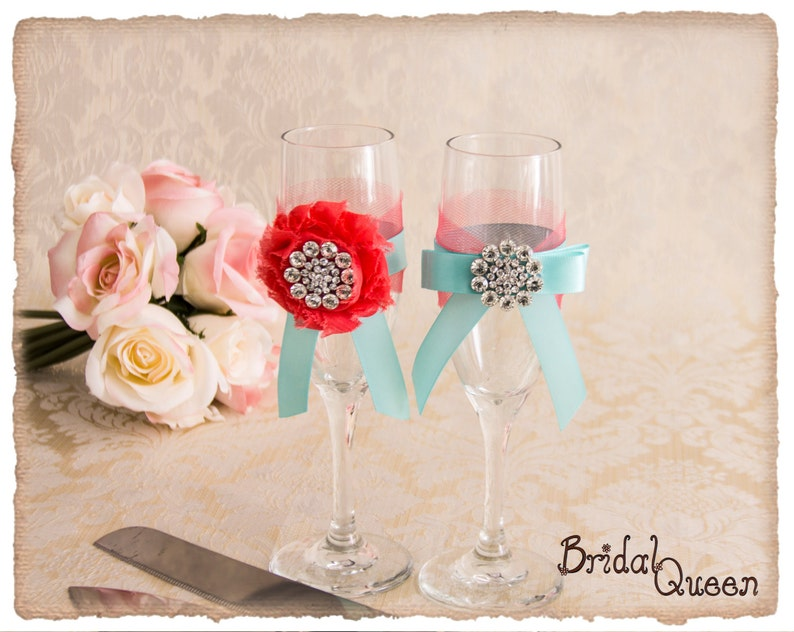 Wedding Champagne Flutes Bride and Groom Wedding Glasses Wedding Toasting Glasses Toasting Flutes Aqua and Coral