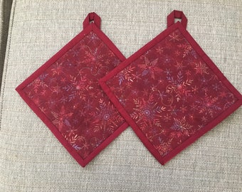 Quilted Pot holders , Potholders,pot holders, Fabric Pot holders, Contemporary Potholders ,7.5 x 7.5 inch ,Christmas gift , red
