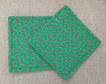 Quilted Pot holders , Potholders,pot holders, Fabric Pot holders, Contemporary Potholders ,8 x 8 inch, green , Christmas gift