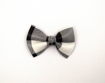 Black/White Plaid Leather TINY Clip Little Bow for Newborn Baby Child Little Girl Photo Prop Adorable Christmas Plaid Buffalo Check Bow