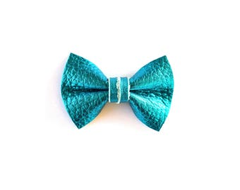 Turquoise Metallic Leather Clip Beautiful Little Bow for Newborn Baby Child Little Girl Adult Photo Prop Adorable Spring Summer Pictures