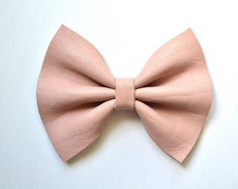 Ballet Pink Leather Bow Clip for Newborn Baby Child Little Girl Photo Prop Adorable Beautiful Fall Winter Spring Summer Clip Headband