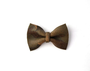 CAMOUFLAGE Leather Beautiful TINY Bow for Newborn Baby Child Little Girl Adult Photo Prop Adorable Clip Brown Green Bow