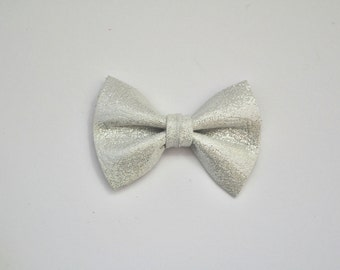 Pearlized SILVER Metallic Leather TINY Bow for Newborn Baby Child Little Girl Photo Prop Adorable Christmas Spring Summer Pictures Clip