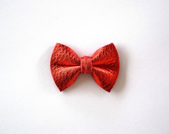 Red PATENT Leather TINY Clip Little Bow for Newborn Baby Child Little Girl Photo Prop Adorable 4th of July Bow Clip Pictures