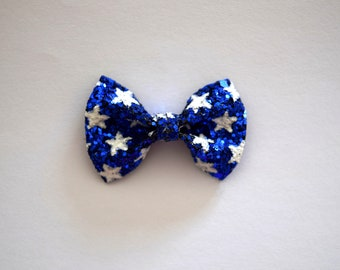 Patriotic Glitter White Star Print TINY Glitter Bow Clip Photo Prop for Girls Adorable Summer Clip for Little Girls Babies 4th of July Bow