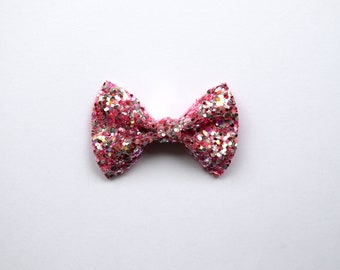 Pink Candy Sparkly Glitter TINY Alligator Clip Little Bow for Newborn Baby Child Little Girl Photo Prop Adorable Photo Summer Easter Clip