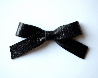 School Girl Black Metallic Leather Bow Clip Adorable Photo Prop for Newborn Baby Little Girl Child Adult Summer Headwrap Pretty Bow