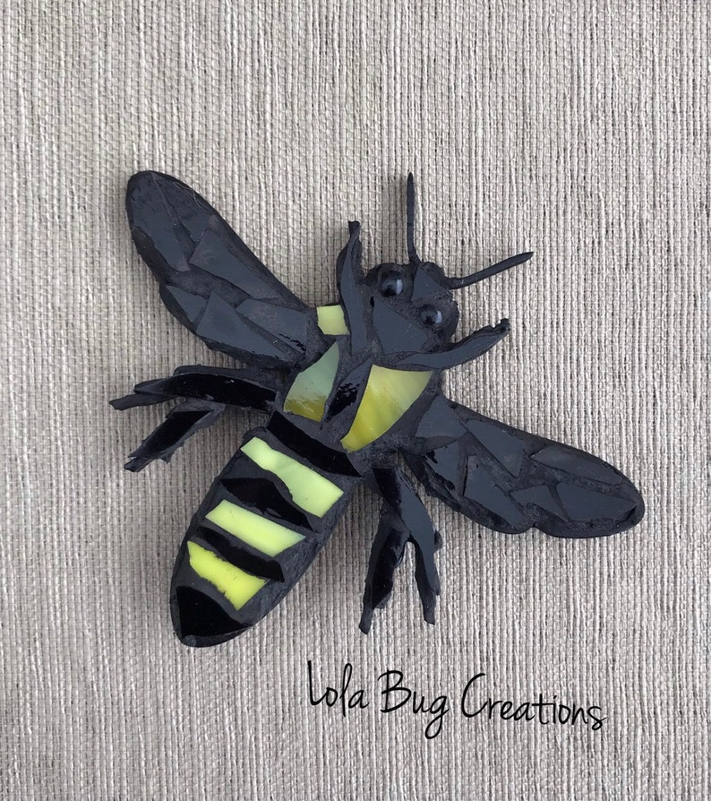 Bee glass mosaic image 0