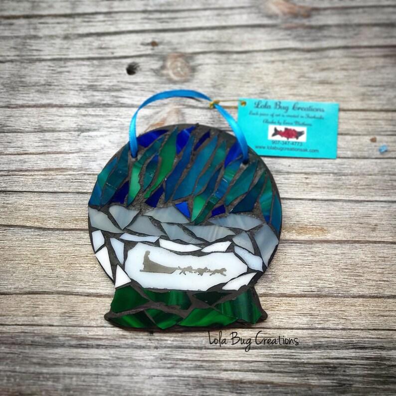 Snow globe with Dog Team glass Mosaic image 0