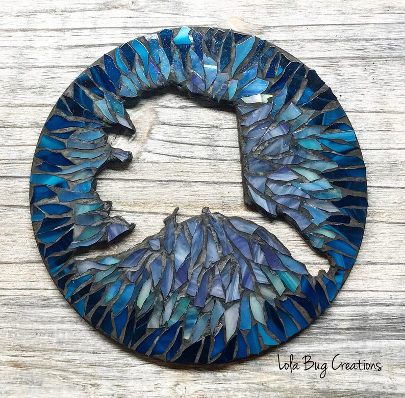 Alaska Cut Out Round glass Mosaic image 0