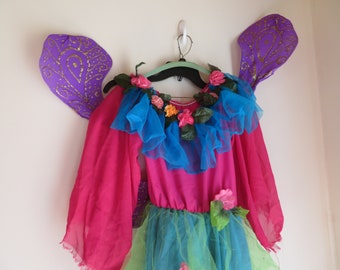 An Array of 15 Plus items Home School Mothers and Grandmothers Spark Imagination Hrs of Enjoyment Costumes Dress Up 4 to 10 Year olds