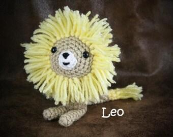 Leo the Lion - small, crochet, stuffed lion toy