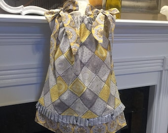 BOUTIQUE PILLOWCASE DRESS / Yellow and Gray