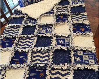 University of Kentucky Deluxe Crib Blanket / Small Throw / Toddler Blanket (Pillow Included)