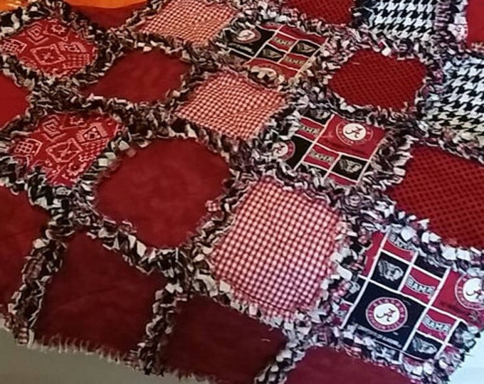 UNIVERSITY OF ALABAMA Rag Quilt / Throw (Choice of Sizes)