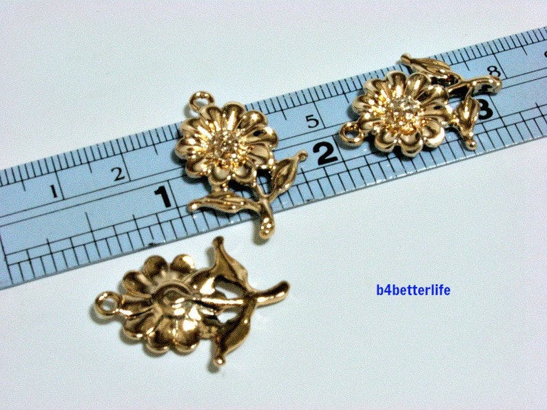Lot of 24pcs Sunflower Gold Color Tone Metal Charms #XX332.