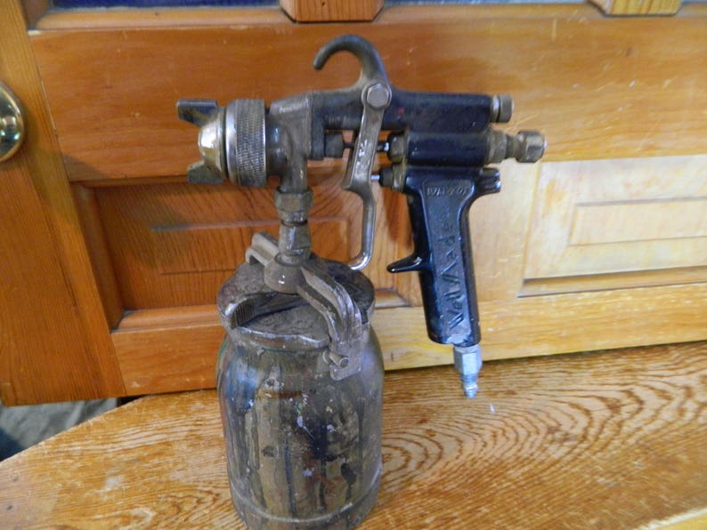 Used Paint Sprayer Well Made WM 701 Paint Sprayer and Paint Cup
