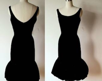 80s Black Velet pleated taffeta Party Dress bubble hem Bow Open Back size medium W27
