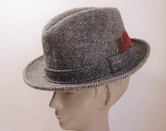 2fd91fefe22 Vintage Dobbs Fedora   Grey wool Herringbone tweed Fedora size 6 7 8
